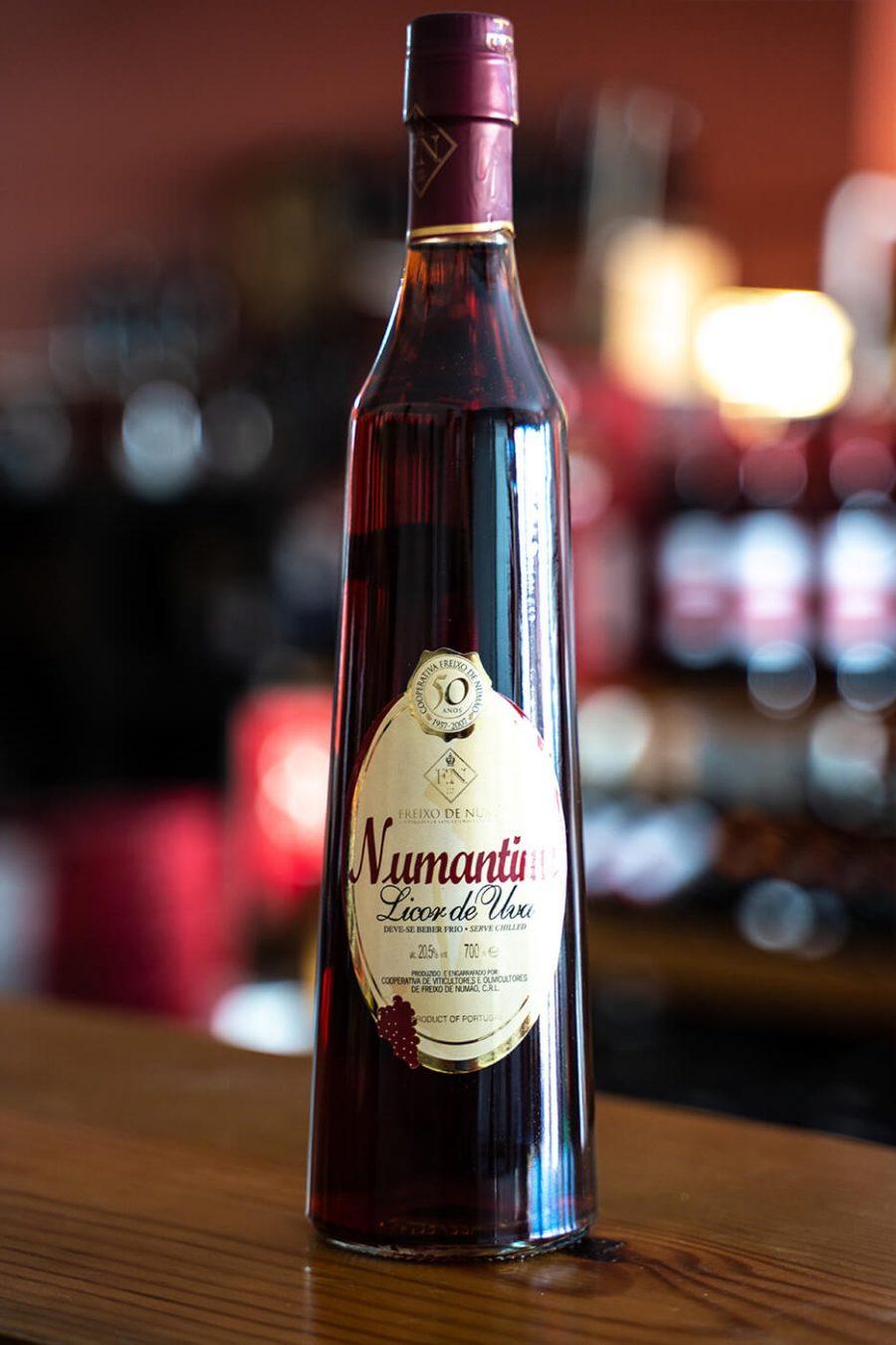 Numantinu - Licor de Uva